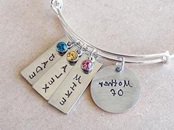 Personalized Mother / Mom Bracelet, Children's Name hand sta